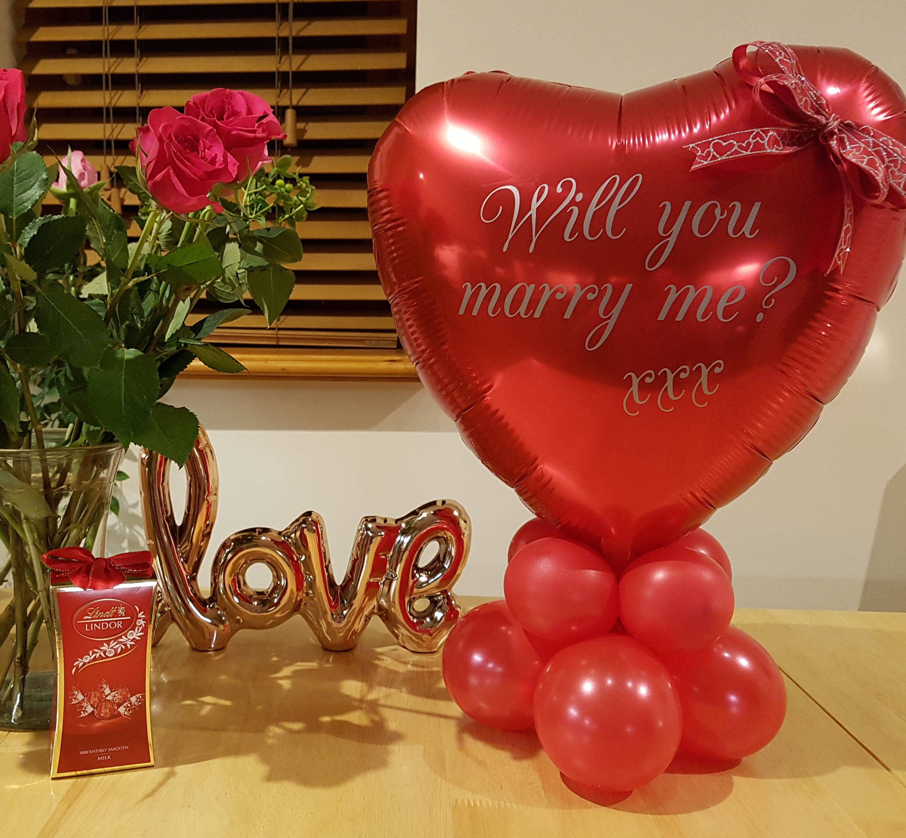 Personalised Valentines balloon with bow